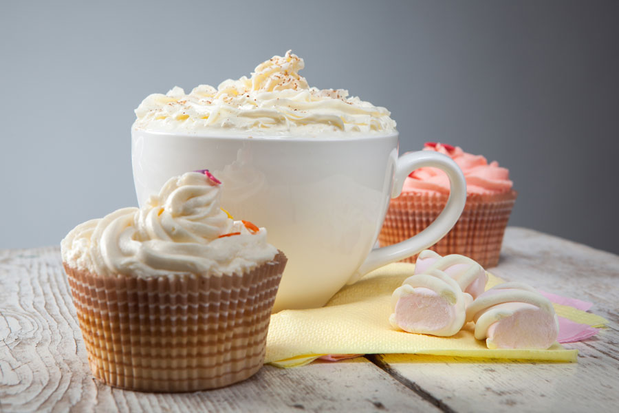 cupcakes.hot.chocolate.whipped.cream.marshmallows