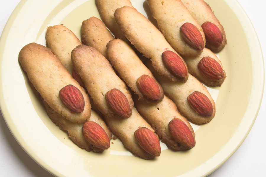 Halloween-Finger-Biscuits
