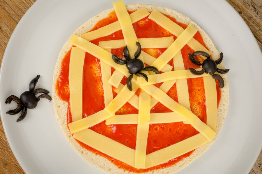 Spider-Web-Pizza-for-Halloween