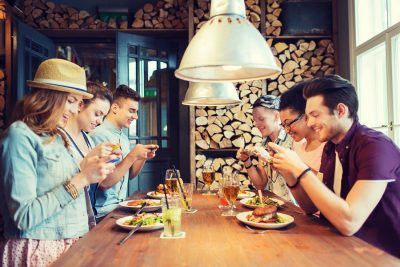 Friends-Restaurant-Smart-Phones